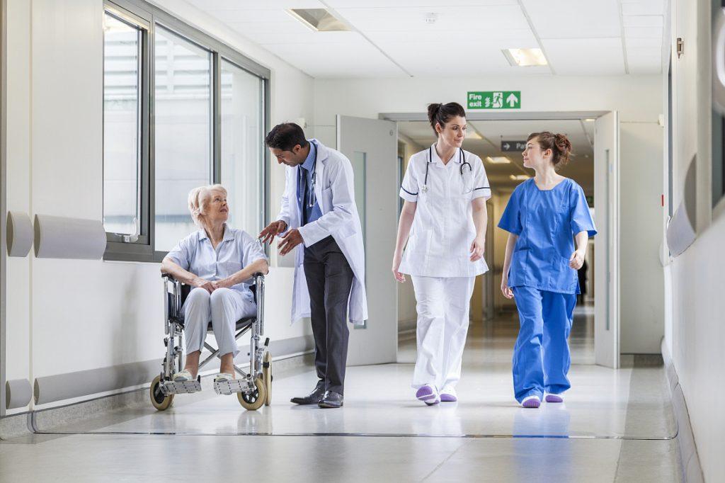 Закупаются больницами
